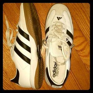 White Adidas Sambas
